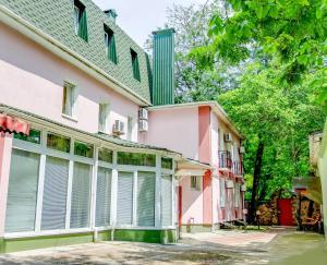 Guest House on Suvorovskyy Spusk, Pensionen  Simferopol - big - 46