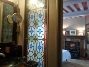 La Maison de Honfleur, Bed and breakfasts  Honfleur - big - 7