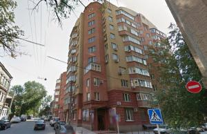 (Apartments on Shaumyan 26)