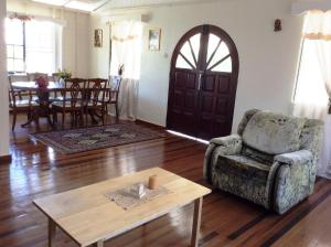 Three Bedroom Holiday Accommodation