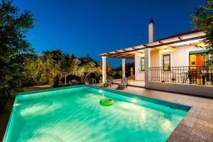 Villa Vallia - Villa Marina, Villen  Kato Galatas - big - 4