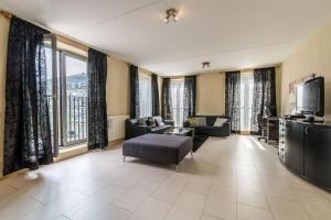 West Dreams Apartment