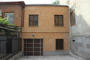 Villa on Zavaryan, Ville  Yerevan - big - 1