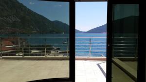 Отели Черногории с пляжем и бассейном