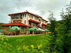 Family hotel Hefes