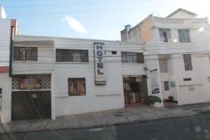 圣路易斯广场酒店 (Hotel San Luis Plaza)