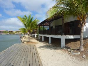 AquaVilla Bonaire