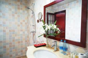 Garden Inn Beijing, Bed and Breakfasts  Peking - big - 10