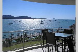 Absolute Waterfront 2 Bedroom Apartment - Airlie Beach, Queensland, Australia
