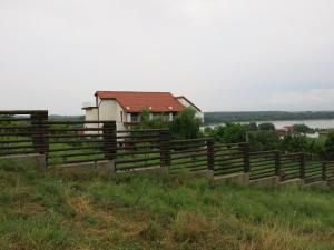 Pensiunea 4 Salcii, Гостевые дома  Băltenii de Sus - big - 72