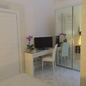 La Dimora Del Marchese, Bed and Breakfasts  Catania - big - 17