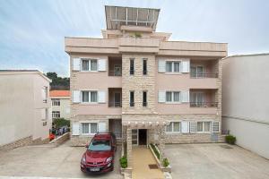 Petrovac Holiday Apartments
