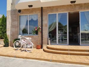 Family Hotel Provence, Hotely  Aheloy - big - 38