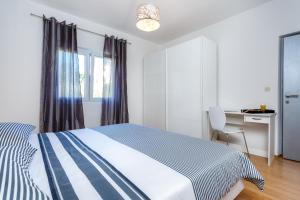 Holiday Home Iris, Apartments  Marina - big - 2