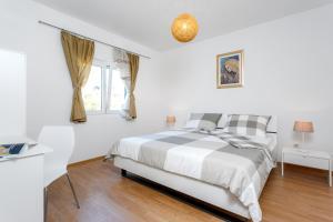 Holiday Home Iris, Apartments  Marina - big - 22