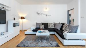 Holiday Home Iris, Apartments  Marina - big - 13