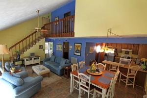 Lemon Zest, Дома для отпуска  Westlake Corner - big - 21