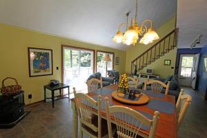 Lemon Zest, Дома для отпуска  Westlake Corner - big - 24