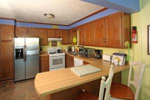 Lemon Zest, Дома для отпуска  Westlake Corner - big - 25