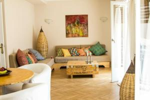 The Helios Flat, Апартаменты  Афины - big - 10