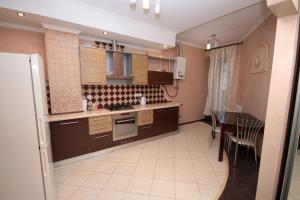Kiev Pechersk Lavra apartment in Kiev center