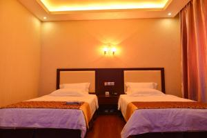 Ливингстон - Warm Harbor Hotel