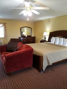 Econo Lodge Inn and Suites, Отели  Брайант - big - 25