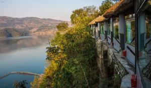 Hotel Seven Lake Paradise