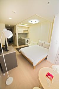 Chungmuro Studio Apartment