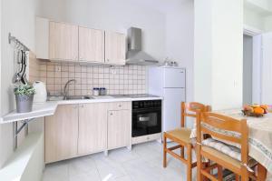 Kosta's Family House, Ferienwohnungen  Athen - big - 41