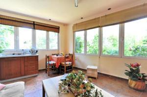 Kosta's Family House, Ferienwohnungen  Athen - big - 39