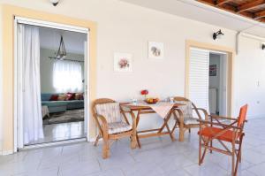 Kosta's Family House, Ferienwohnungen  Athen - big - 7