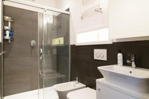Hot Spot Center VIP, Apartmanok  Varsó - big - 27