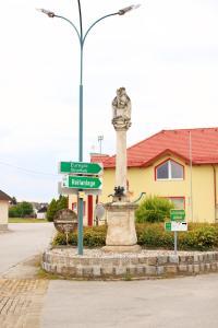 Horse Farm Grosskadolz