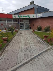 Hotel Konak, Казин