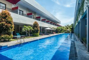ZEN Rooms Kuta Kartika Plaza 2