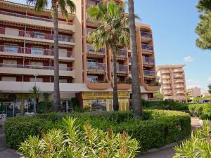 Apartment Le Capitole.5, Apartmány  Fréjus - big - 5