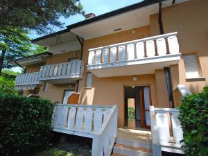Locazione turistica Villa del Silenzio.1, Dovolenkové domy  Lignano Sabbiadoro - big - 13