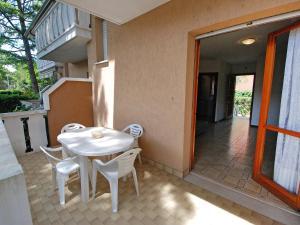 Locazione turistica Villa del Silenzio.1, Dovolenkové domy  Lignano Sabbiadoro - big - 10