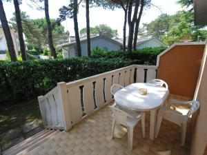Locazione turistica Villa del Silenzio.1, Dovolenkové domy  Lignano Sabbiadoro - big - 6