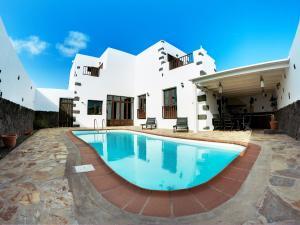 Villa Tinajo