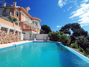 Holiday Home Les Cystes 4
