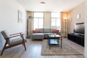 Nice Classic Pijp Apartment