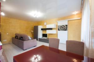 Apartment on Diktaturi Proletariata, Ferienwohnungen  Krasnoyarsk - big - 22