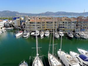 Apartment Club Nàutic.10, Apartmány  Empuriabrava - big - 3