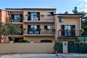 Apartments Silvana 74