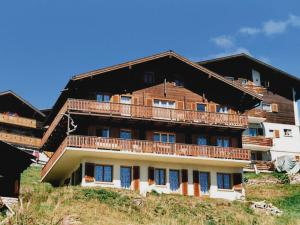 Two-Bedroom Apartment Weisshorn 2