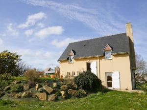 Holiday home Maison Bouanga Trevou Treguignec