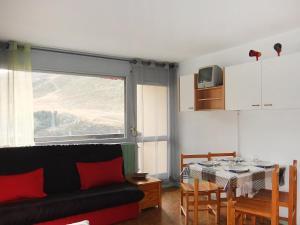 Apartment Les Asters.26, Apartmány  Les Menuires - big - 5
