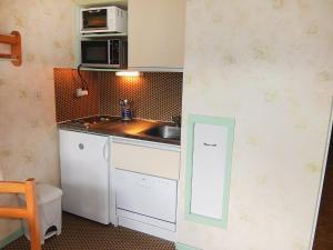 Apartment Les Asters.26, Apartmány  Les Menuires - big - 12